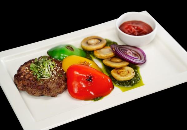 Beefsteak with grilled vegetables