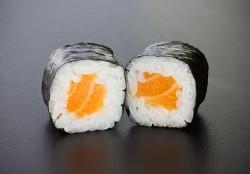 Sake maki (8 pcs.)