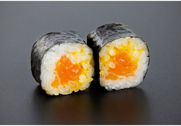 Spicy Sake maki  (8 pcs.)